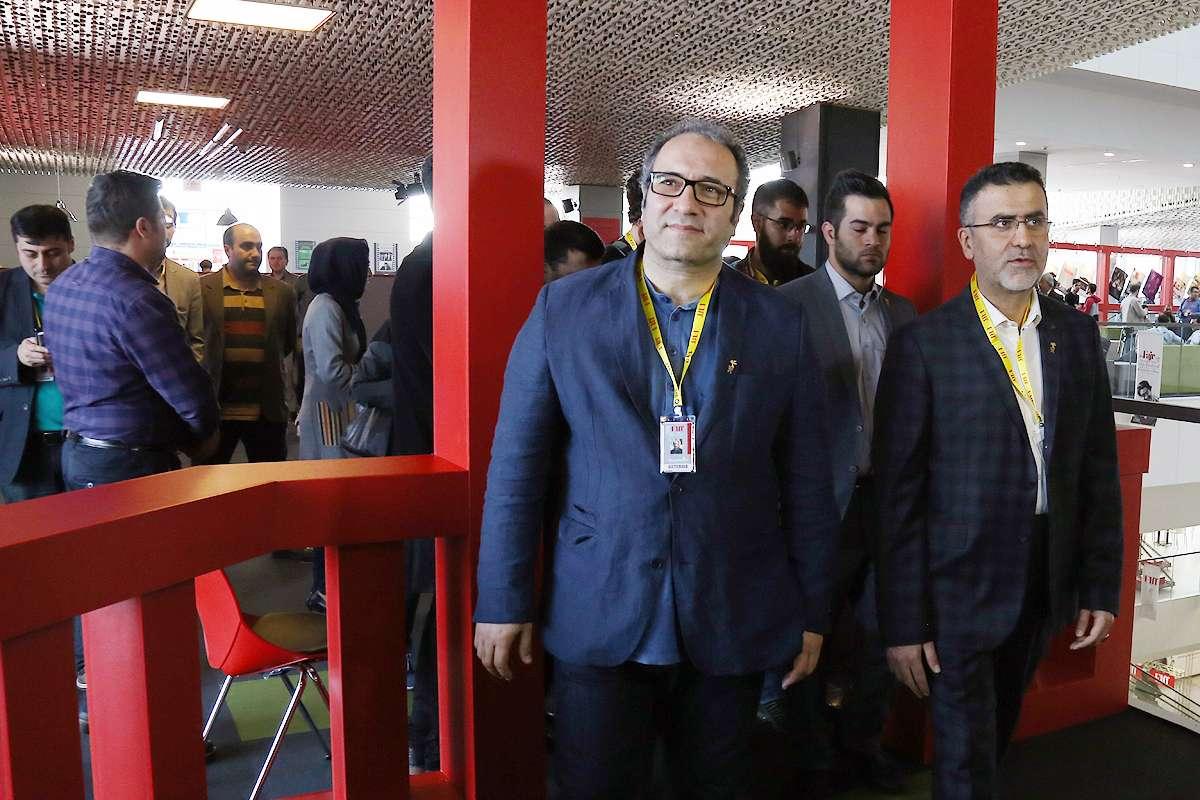 عکسهای بازدید حجت الله ایوبی از کاخ جشنواره