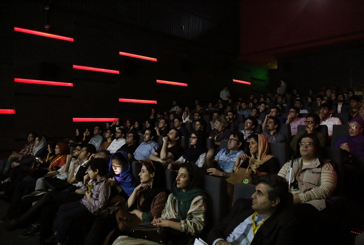 گزارش تصویری اکران «سینما نیمکت» در کاخ جشنواره