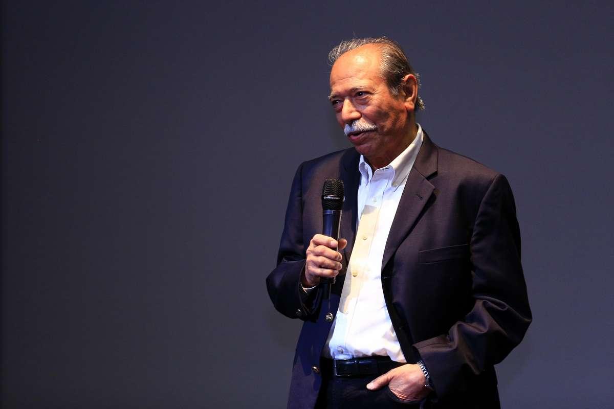 فیلم «گاو» با حضور علی نصیریان به نمایش در آمد