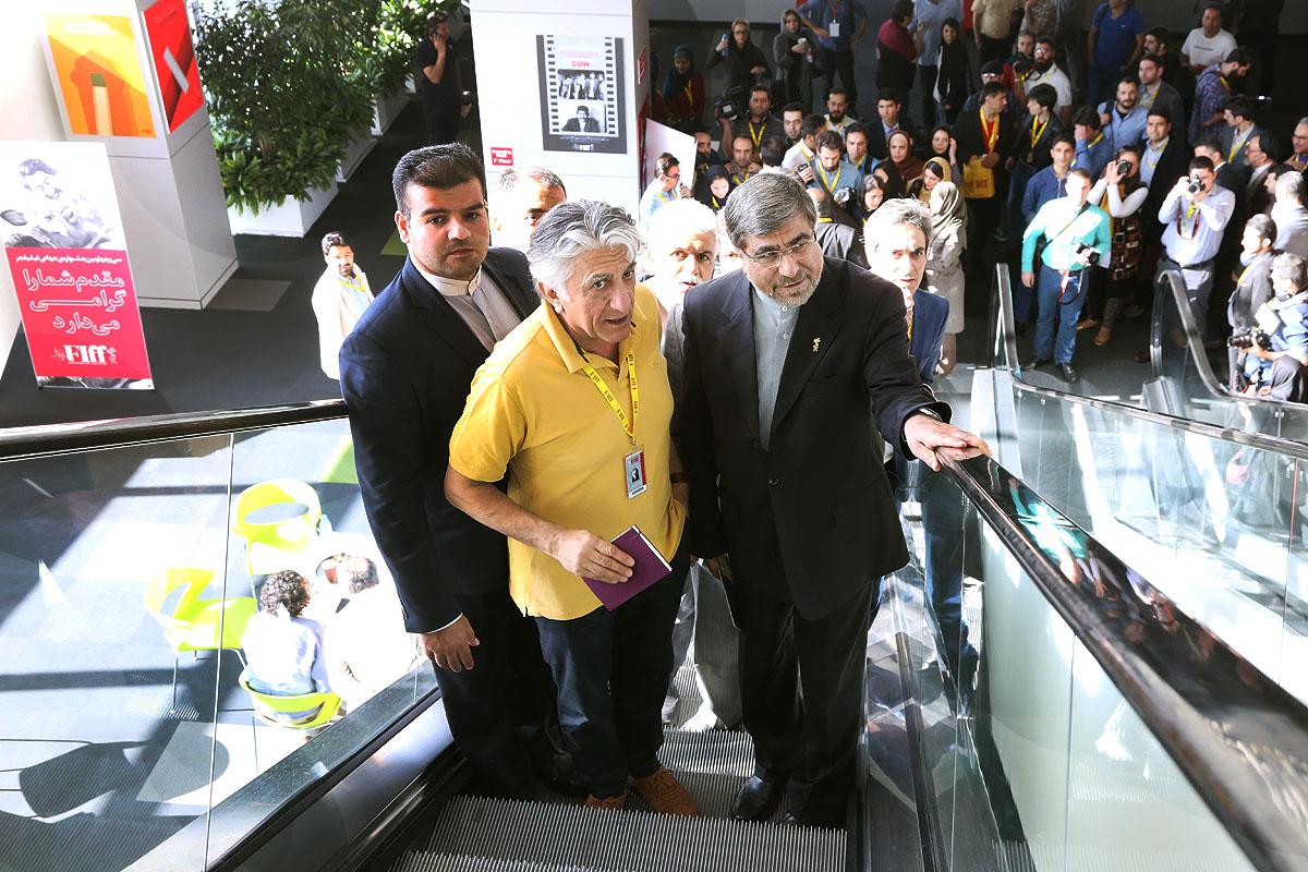 وزیر فرهنگ و ارشاد اسلامی از جشنواره جهانی فیلم فجر بازدید کرد