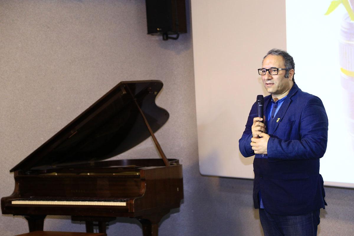 تقدیر کانون کارگردانان سینمای ایران از دبیر جشنواره جهانی فیلم فجر