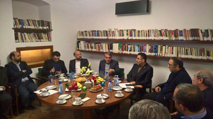 دیدار وزیر فرهنگ و ارشاد اسلامی با دبیر و مدیران جشنواره جهانی فیلم فجر