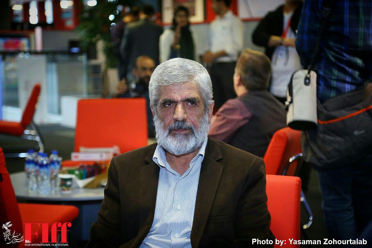 حضور پدر شهید مصطفی احمدی روشن در کاخ جشنواره جهانی فیلم فجر