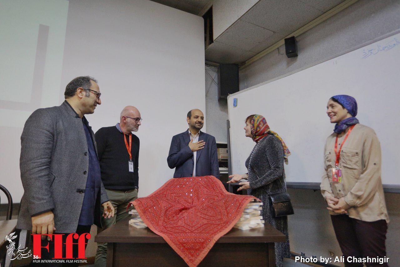 گزارش تصویری رونمایی از کتاب «سینمایی دیگر؛ چند مقاله و گفتوگو درباره سینمای عباس کیارستمی»