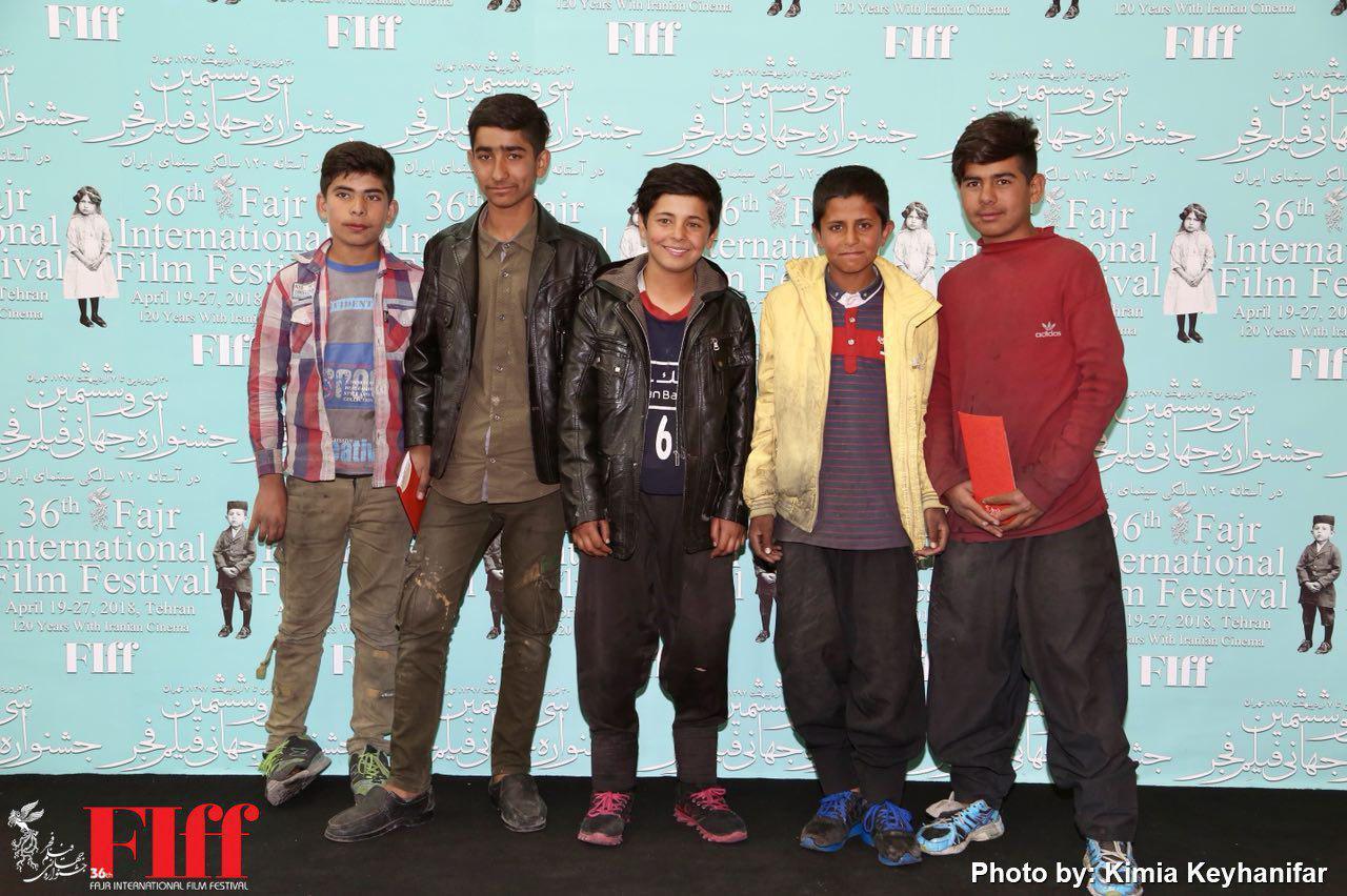 کودکان کار مهمان جشنواره جهانی فیلم فجر شدند/ تماشای فیلم در سینما فلسطین