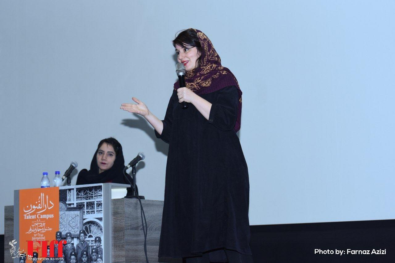 گزارش تصویری کارگاه فیلمنامهنویسی نغمه ثمینی در بخش دارالفنون