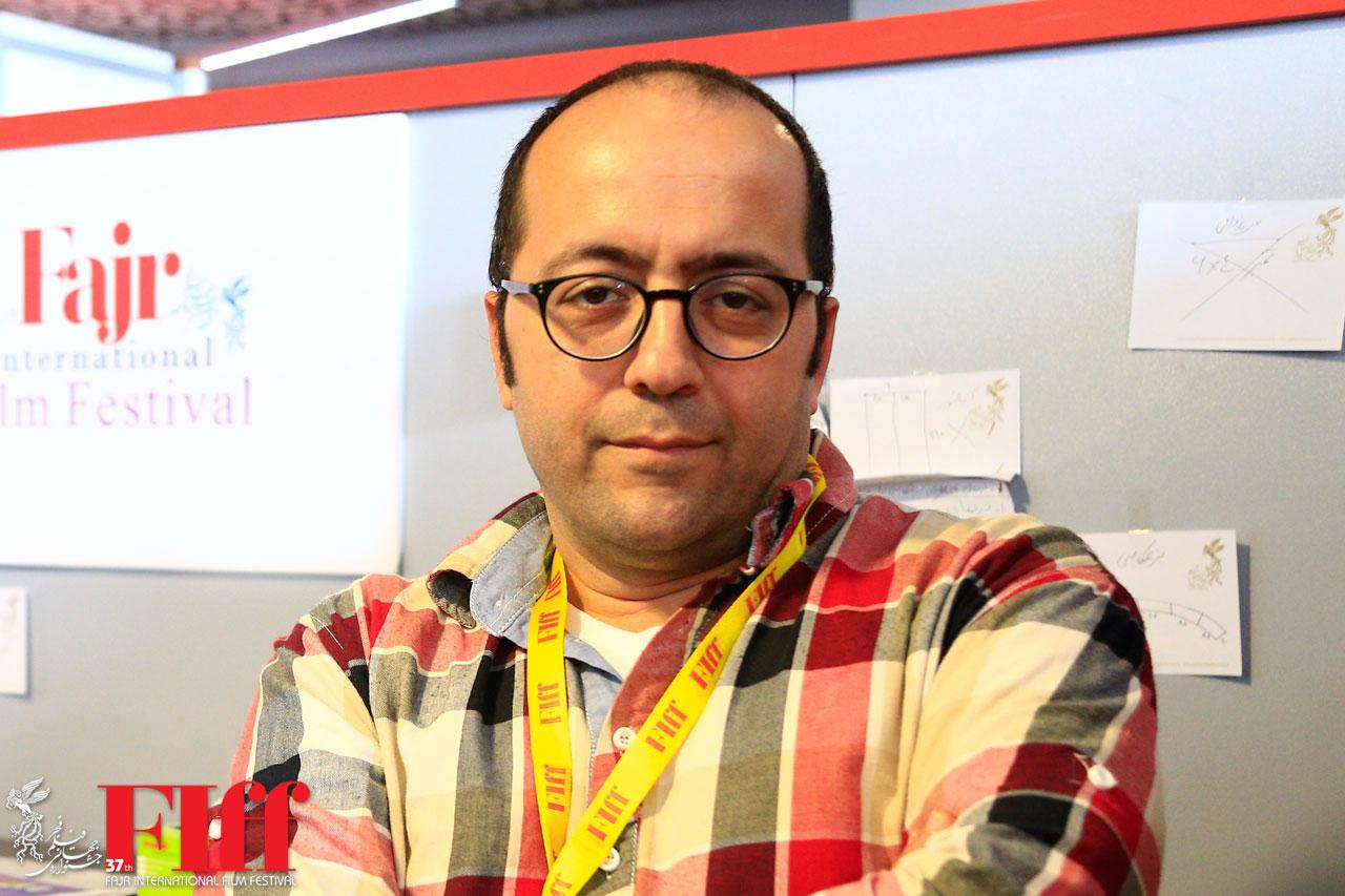 طراحی پوستر سی و هفتمین جشنواره جهانی فیلم فجر با عکسی پرهیجان از «دونده»