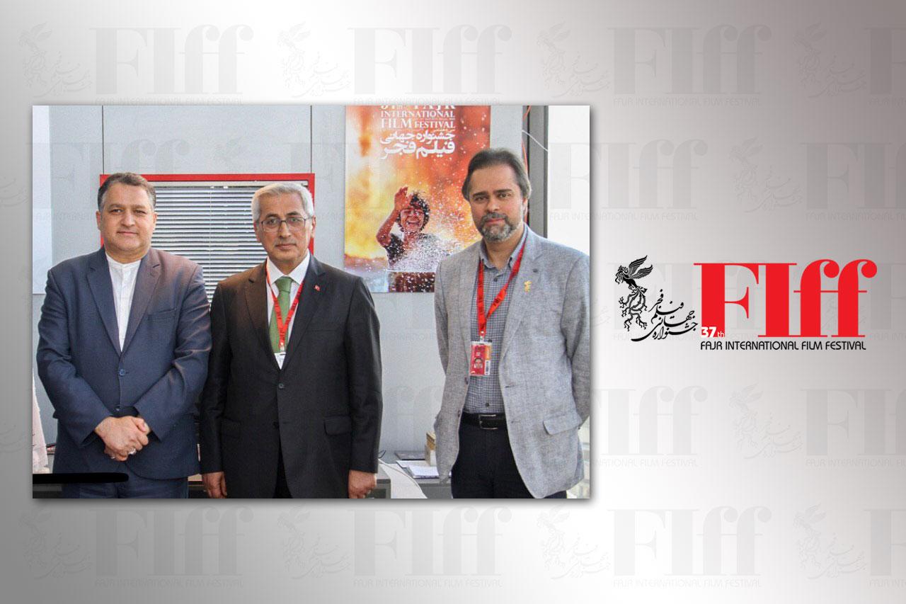 جشنواره جهانی فیلم فجر تاثیر زیادی در سینمای منطقه و آسیا دارد
