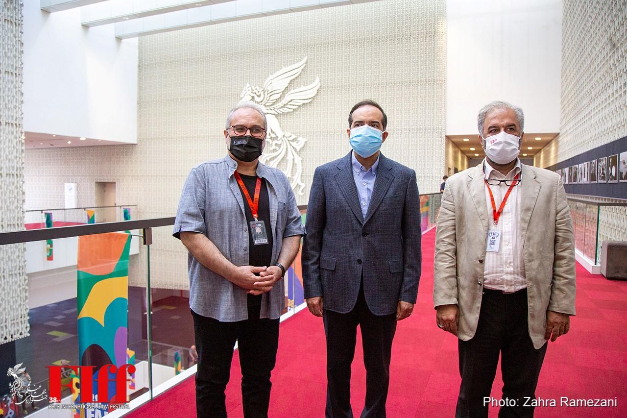 گزارش تصویری بازدید حسین انتظامی از سیوهشتمین جشنواره جهانی فیلم فجر